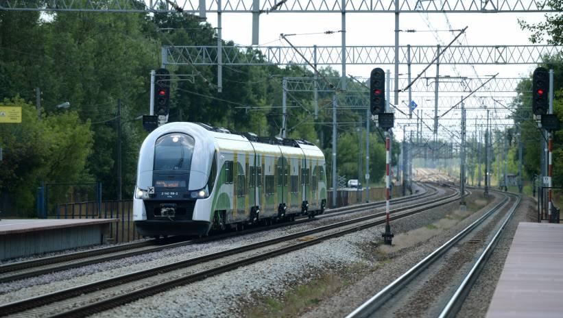Zablokowana linia kolejowa między Dęblinem a Puławami
